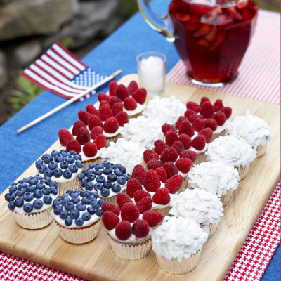 54fe0c3c3728c-cupcake-flag-with-berries-and-coconut-recipe-0710-xl